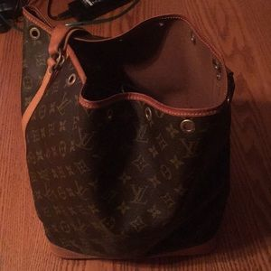 Lv Noe Gm In Preowned used condition